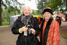 Elena with American traveler in Uglich.