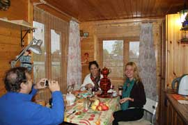 Dacha Tour with Irina. Home hosted visit